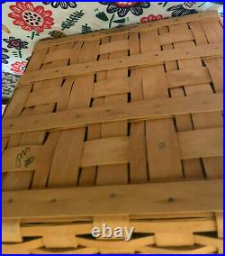 Longaberger 01 Fathers Day Checkerboard basket set with Chess Pieces/Checkers