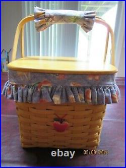 Longaberger 1998 Classic Grandma Bonnies Two Pie Basket set with Lid
