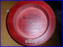 Longaberger 2007 Collectors Club Red Apple Basket set with Protector. NEW